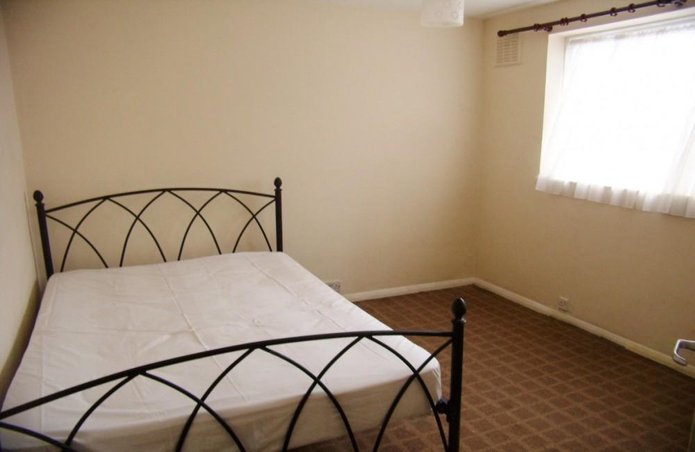1 Bed Flat To Rent - Croydon